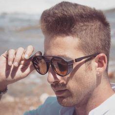 #sunnies #shades👓 #sunglassesfashion #sunglassesfashion #sunglasses😎 #sunglasses👓 #sunglasseslover #sunglassesaddict #sunglassesbranded Mens Sunglasses, Fashion, Moda, Fashion Styles, Men's Sunglasses, Fashion Illustrations