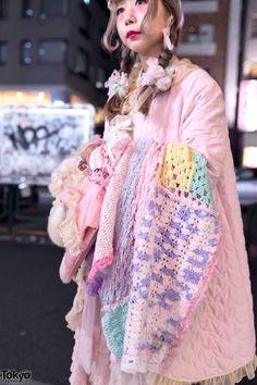 Pretty Pastel Fashion in Harajuku w/ Plush Bag, Care Bears, Lace & Bows Harajuku Fashion, Kawaii Fashion, Cute Fashion, Fashion Outfits, Pretty Outfits, Cool Outfits, Pink Outfits, Pastel Fashion, Tiered Skirts