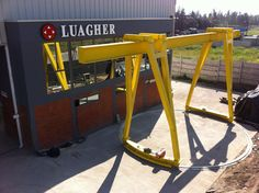 Photos of installations by Luagher, our distributor in Chile. Crane Design, Gantry Crane, Civil Engineering, 3d Printing, Diy And Crafts, Furniture Design, Workshop, Tools, Wall