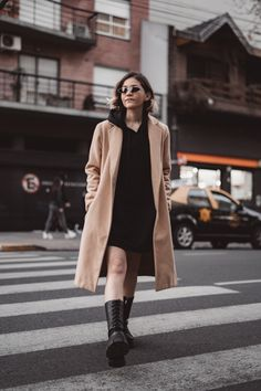 8 LOOKS FASHIONISTAS PARA INVIERNO 2020 | Mary Wears Boots Normcore, Boots, How To Wear, Style, Fashion, Winter, Trends, Crotch Boots, Swag