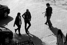 Anónimos Foto en Blanco y Negro. Gente anónima pulula por la urbe. .#Fotos_Blanco_y_Negro,#Photos,#Fotos,#Paisaje_Urbano,