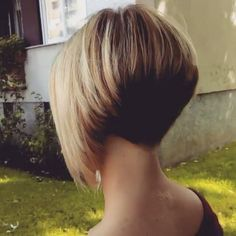 """441 Likes, 8 Comments - @bobbedhaircuts on Instagram: """"FINALLY a full 360° view of a superb haircut!  the perfect aline bob !!! Credit to @nikathron and…"""""""