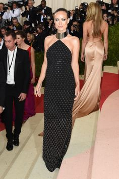Olivia Wilde.. bespoke Michael Kors gown, Brian Atwood Tribeca heels, and Jennifer Fisher jewels.. #stylethebump