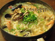 #food #korean #homemade #rainy day #home food #noodle #seafood soup #칼국수. 비오는날 최고