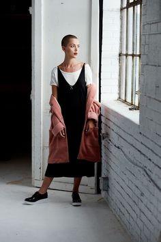 Styliste: Mélanie Brisson  Assistantes: Marie-Claude Langlois & Satya Jack  Photographe: Maxyme G D...