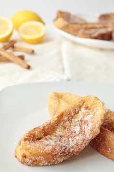 """Torrijas"" the Spanish version of French Toast and a typical Easter dessert aka Fried Milk-Soaked Bread Sweetmeat (Translate page as needed when it loads, please) Best Dessert Recipes, Brunch Recipes, Fun Desserts, Mexican Food Recipes, Spanish Desserts, Spanish Dishes, My Favorite Food, Favorite Recipes, Easter Dinner Recipes"