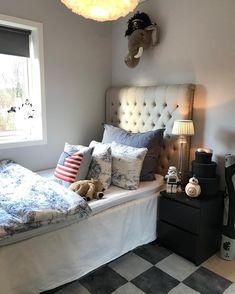 "𝙰𝚛𝚒𝚎𝚕 𝙲𝚑𝚊𝚛𝚕𝚎𝚗𝚎 𝚂𝚎𝚒𝚖 on Instagram: ""BB8💕😋🚀"" Bb8, Ariel, Furniture, Instagram, Home Decor, Pink, Decoration Home, Room Decor, Home Furnishings"