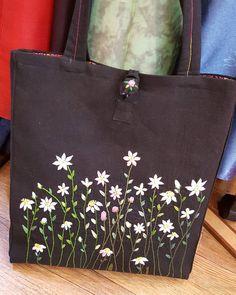 Embroidery Leaf, Japanese Embroidery, Hand Embroidery Stitches, Silk Ribbon Embroidery, Embroidery Patterns, Hand Painted Dress, Handmade Handbags, Fabric Bags, Fabric Handbags