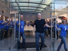 9.22.14 APPLE ANNOUNCES OPENING WEEKEND IPHONE 6 SALES WERE OVER 10 MILLION