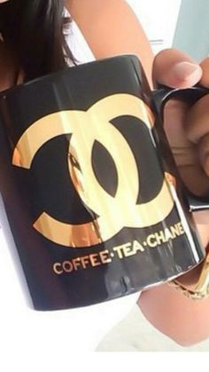 Oh my gosh, I dont know about you but this made my day! The perfect makeup/coffee lover item. Coffee Love, Coffee Cups, Mademoiselle Coco Chanel, Chanel Couture, Chanel Chanel, Chanel Fashion, Chanel Decor, Home Decoracion, Cute Cups