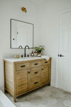 Modern Eclectic Bathroom Remodel – House On Longwood Lane – Diy Bathroom Remodel İdeas Wood Bathroom, White Bathroom, Bathroom Flooring, Bathroom Ideas, Bathroom Vanities, Bathroom Organization, Basement Bathroom, Bathroom Cabinets, Bathroom Small