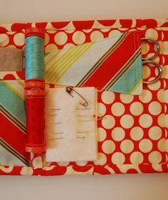 travel sewing kit tutorial | lots of pink here! http://lotsofpinkhere.blogspot.com/2011/09/travel-sewing-kit-tutorial.html