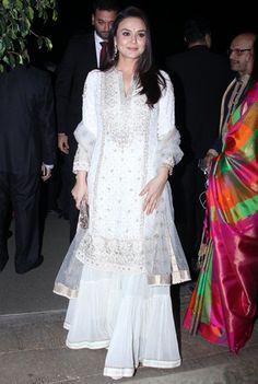 Preity Zinta (in Ritu Kumar) Pakistani Fashion Casual, Pakistani Outfits, Indian Outfits, Indian Dresses, Indian Attire, Indian Wear, Kurta Designs, Blouse Designs, Eid Outfits