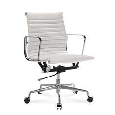 Halbhoher Eames Office Chair mit geripptem, weißem Leder