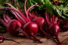 Beetroot: Beets Health Benefits and Nutrition Facts Sugar Cane Plant, Home Remedies, Natural Remedies, Beet Plant, Natural Multivitamin, Turmeric Drink, Red Beets, Purifier, Natural Treatments