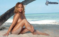 bionda-sulla-spiaggia,-donna-nuda,-sabbia,-mare-156206.jpg (674×421)