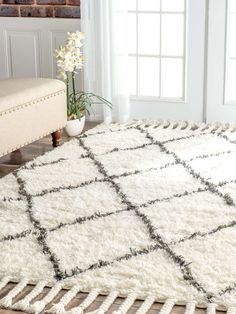 Look at this gorgeous homey, cozy wool shag rug! Interior Design Candles, Modern Decor, Rustic Decor, Small Space Organization, Teen Girl Bedrooms, Hand Tufted Rugs, White Home Decor, Simple Colors, White Houses