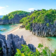 Lahos Island, Caramoan, Philippines ---  Photo by @kjagutierrez --- #Caramoan #Philippines