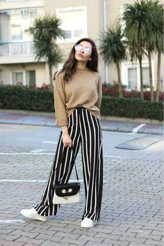 Dressed Up in Nautical Stripes – How to Style Wide Leg Pants – Photos - Hosen Look Fashion, Trendy Fashion, Korean Fashion, Winter Fashion, Fashion Outfits, Fashion Trends, Fashion Women, Fashion Ideas, Fashion Spring