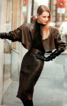 leather and gloved ♥✤   Keep the Glamour   BeStayBeautiful
