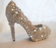 beautiful shoes, diamond shoes shoes shoes shoes. oh my gosh.