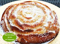 BIZCOCHO HÚMEDO DE COCO CON THERMOMIX Pan Dulce, Easy Desserts, Apple Pie, Food To Make, Pancakes, Food And Drink, Breakfast, Ethnic Recipes, Coconut Brownies