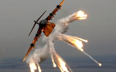 Amazing Aircraft Military smoke Planes show - Architecture & Engineering