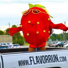 SUZY FLAVORBERRY! I KNOW HER! Suzy is going to choose a winner tonight at 5 live on Facebook! Don't miss your chance to win tickets to the event swag and bragging rights! You may even get to selfie with Suzy bananalicious or Walter Melon! #entertowin #flavorrun #Flavorfairy #5k #flavorfun#run #signupnow