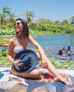 { Summerdays are the best! } Pq não tem nada que eu ame mais que dias de verão  Biquíni - quero ter de todas as cores -  e canga @aguadecocobr  #sundays #summertime #ootd