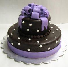 Top Purple and Black Wedding Cakes #Black #Wedding #Cake