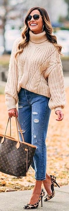 #winter #outfits  @zara__europe #fashion#fashionblogger #girl #travelphotography#instagood #instagram #instadaily #ootd #photooftheday #photography #photographer #photoshoot #picoftheday #pic #bff #snapchat #lifestyle #love  @mumuandmacaroons