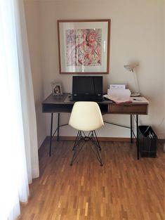 Praktischer Arbeitsbereich Retro-Stil nach Umgestaltung Retro Stil, Eames, Office Desk, Modern, Chair, Furniture, Home Decor, Environment, Cozy Living
