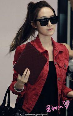 SNSD's Tiffany airport fashion