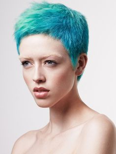 Whether you're a hardcore fan of punk music or just want to try a really special look, test these new short punk hairstyles for women with amazing haircuts and punk hair color ideas! Short Blue Hair, Short Cropped Hair, Short Punk Hair, Super Short Pixie Cuts, Short Hair Cuts, Short Hair Styles, Popular Short Hairstyles, Pixie Hairstyles, Cool Hairstyles