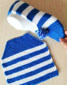 Most up-to-date No Cost Crochet Bag cute Ideas Whether you make your personal handles or choose store-bought (or upcycled) handles, you need to be Crochet Shoes Pattern, Crochet Socks, Crochet Beanie, Knitting Socks, Crochet Stitches, Crochet Baby, Knit Crochet, Crochet Girls, Knitted Booties