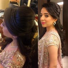 Browse wide collection of Indian Wedding Hairstyles for women. Hairstyles for sh… Browse wide collection of Indian Wedding Hairstyles for women. Hairstyles for short, medium and long hair. Hairstyles for Indian women from South and North. Wedding Hairstyles For Women, Engagement Hairstyles, Indian Wedding Hairstyles, Trendy Hairstyles, Braided Hairstyles, Wedding Hairdos, Updo Hairstyle, Medium Hair Styles, Curly Hair Styles