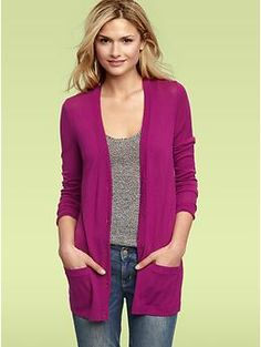 So me- simple and comfortable. No frills. Love that cardigan color pop!