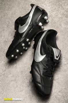 540e2ea0b Botas de fútbol de piel de canguro Nike FG para césped natural o artificial  de última