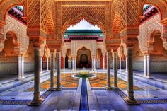 Marrakech Attractions - 10 fun things to do & places to visit with kids & family in Marrakech, Morocco. Here are ten best things to do with kids in Marrakech, Morocco that you cannot miss out. Moroccan Design, Moroccan Decor, Moroccan Style, Moroccan Bedroom, Moroccan Lanterns, Moroccan Interiors, Design Marocain, Style Marocain, Architecture Cool
