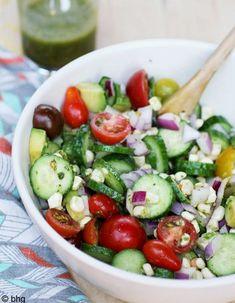 Cette saison, amusez vous avec nous ! La rédac' vous met au défi de nous poster vos recettes de salades fraîches, croquantes, saines et gourmandes. Nous les publierons sur le site ELLE.fr ainsi que dans notre compte Pinterest.  http://www.elle.fr/Elle-a-Table/Les-dossiers-de-la-redaction/News-de-la-redaction/marecettepourELLE-vos-salades-d-ete-les-plus-craquantes-2727070