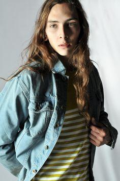 R. Davies S/S 15 Tom (jean jacket, vintage wash Kenzie (sweater, cotton/linen) http://www.rdavies-man.com/