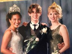 josh groban ‏@Josh Groban  Apr 10 #tbt can't get a date to prom? Take your science and English teachers. pic.twitter.com/UgX8rbLfyA