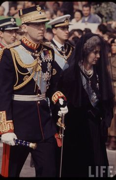King Constantine II and the Queen mother Frederica at the funeral of King Paul in 1964 - - -  Greek Royalty, Spanish Royalty, Funeral, Constantine Ii Of Greece, Adele, Greek Royal Family, Princess Sophia, Court Dresses, Greek History