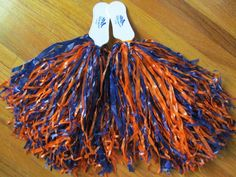 New NFL Chicago Bears Orange/Blue Training Camp Promo Cheerleader Pom Poms…
