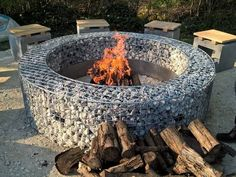 TOP 45 Amazing Gabion Ideas For Your Outdoor Area In 2020 - Engineering Discoveries Diy Fire Pit, Fire Pit Backyard, Backyard Projects, Outdoor Projects, Succulent Outdoor, Wall Fires, Gabion Wall, Fire Pit Seating, Fire Pit Designs