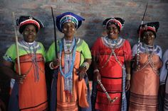 Women of the Xhosa Culture in South Africa African Culture, African Art, Xhosa, Folk Costume, Costumes, African Traditional Dresses, People Of The World, Black People, Head Wraps