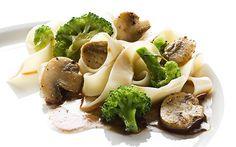 Salteado de pasta con setas y brócoli - Brócoli Pasión