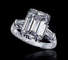 GRAFF Diamond engament ring... I doooo!