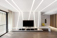H2O+CO2 | THE WHITE LIGHT APARTMENT