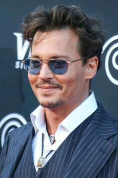 """Johnny Depp photographed at """"The Lone Ranger"""" World Premiere, June Johnny Depp Haircut, Beautiful Smile, Beautiful People, The Lone Ranger, Robert Redford, Hot Actors, Hello Gorgeous, Good Looking Men, Dimples"""